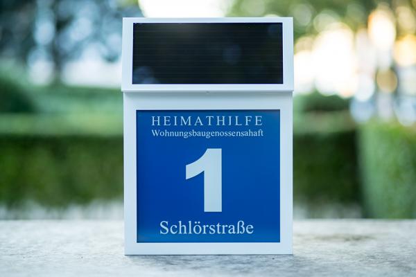 Solar-Hausnummer Lifestyle in weiß Modell LINDA
